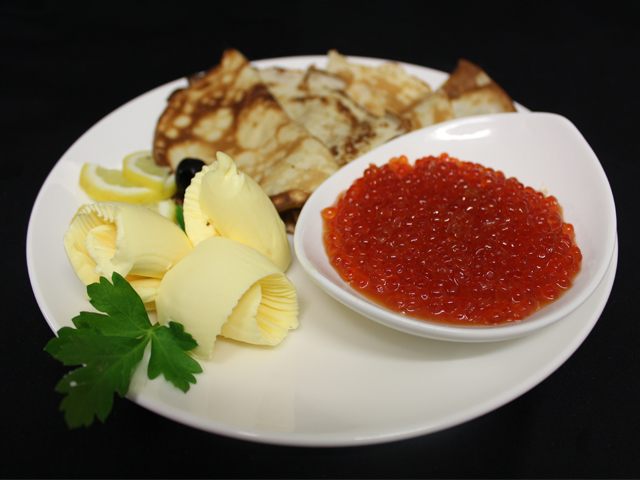 Pancakes with red caviar (140g) and butter