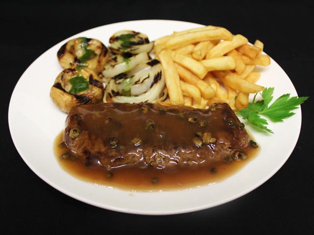 8oz Steak in peppercorn sauce