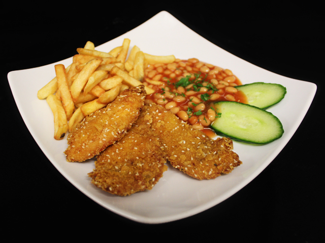 Crispy chicken strips with chips and baked beans