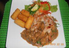 Pork plait in mushroom sauce